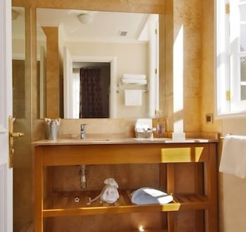 르 레브 부티크 호텔(Le Rêve Boutique Hotel) Hotel Image 23 - Bathroom