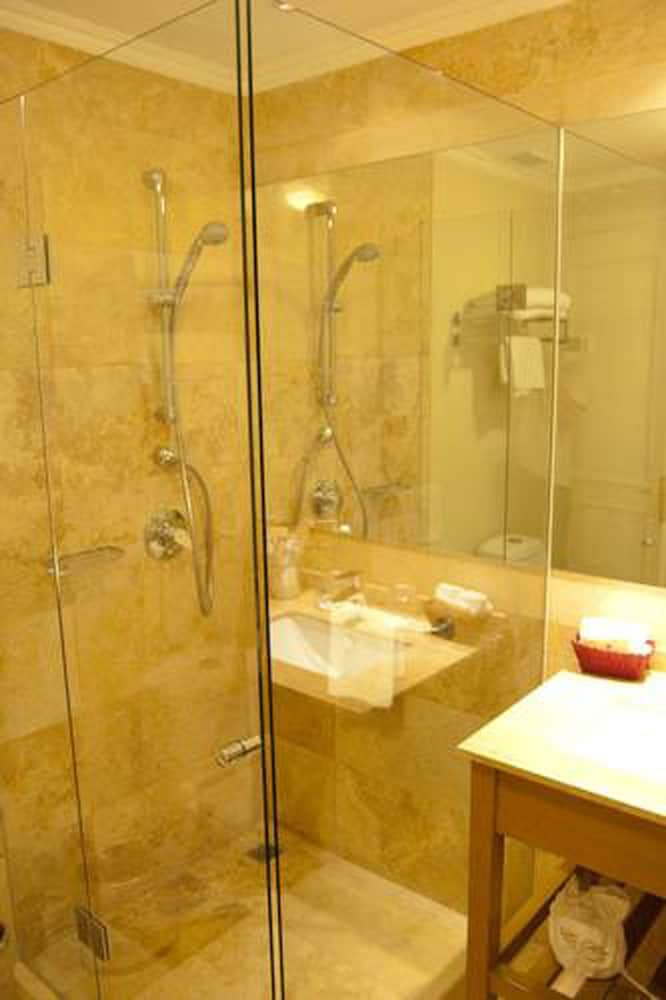 르 레브 부티크 호텔(Le Rêve Boutique Hotel) Hotel Image 24 - Bathroom