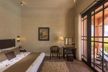 Superior Tek Büyük Veya İki Ayrı Yataklı Oda, 1 Çift Kişilik Yatak, Havuz Manzaralı