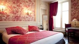 Authentic Deluxe Room Bellecour (shower)