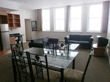Hotel - Glaston House 206 Apartment