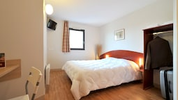 Family Quadruple Room, Connecting Rooms (1 Double Bed And 2 Single Beds)