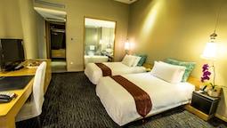 Standard Room, 2 Twin Beds, No Windows