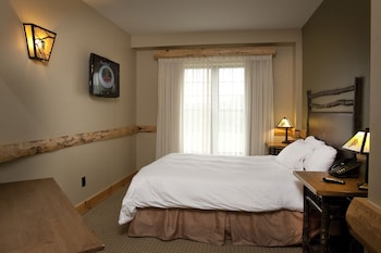 River Rock Suite (waterpark Access Additional)