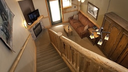 Roaring Brook Suite - Waterpark Access Additional