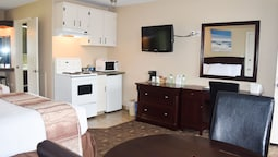 Suite, 2 Double Beds, Non Smoking, Kitchenette