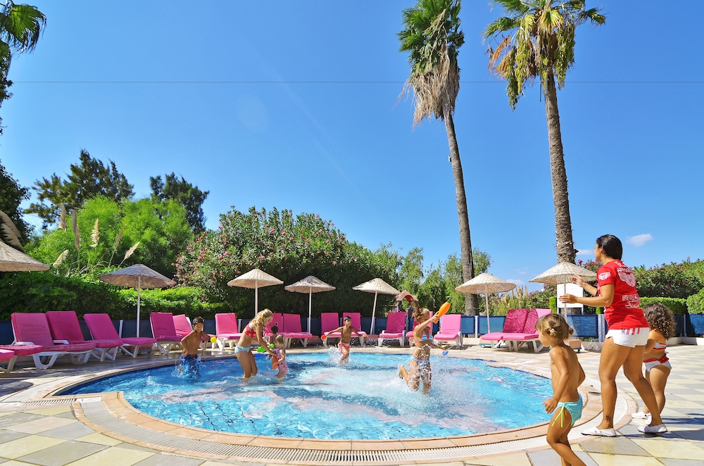 더 그랜드 블루 스카이 인터내셔널  - 올 인클루시브(The Grand Blue Sky International - All Inclusive) Hotel Image 11 - Childrens Pool