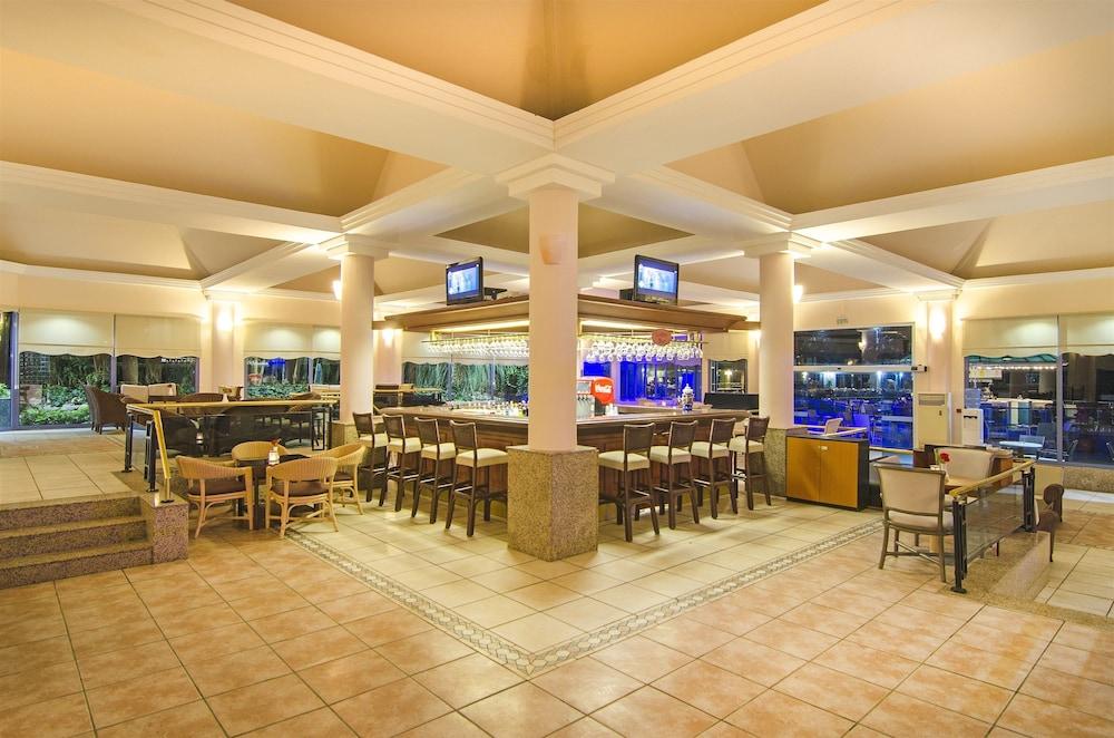 더 그랜드 블루 스카이 인터내셔널  - 올 인클루시브(The Grand Blue Sky International - All Inclusive) Hotel Image 28 - Hotel Bar