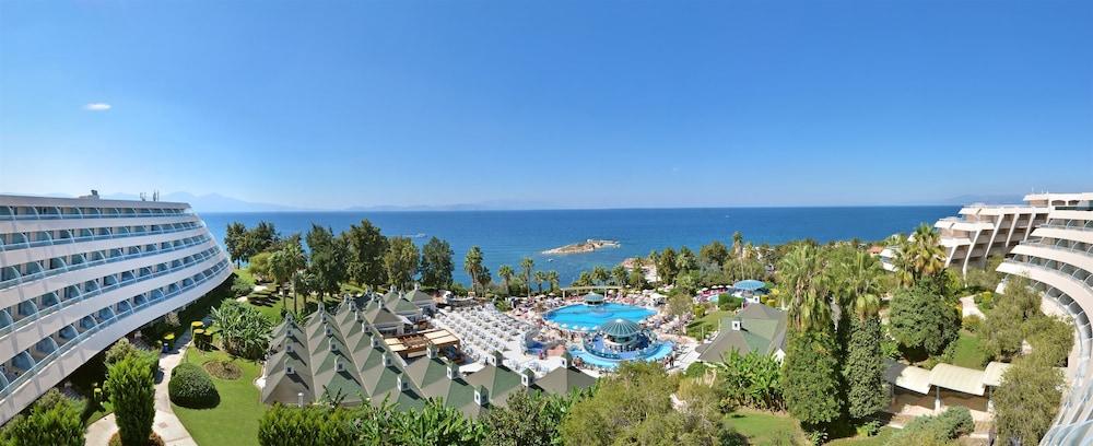 더 그랜드 블루 스카이 인터내셔널  - 올 인클루시브(The Grand Blue Sky International - All Inclusive) Hotel Image 0 - Featured Image