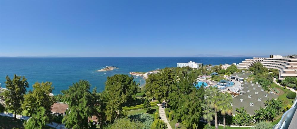 더 그랜드 블루 스카이 인터내셔널  - 올 인클루시브(The Grand Blue Sky International - All Inclusive) Hotel Image 1 - View from Hotel