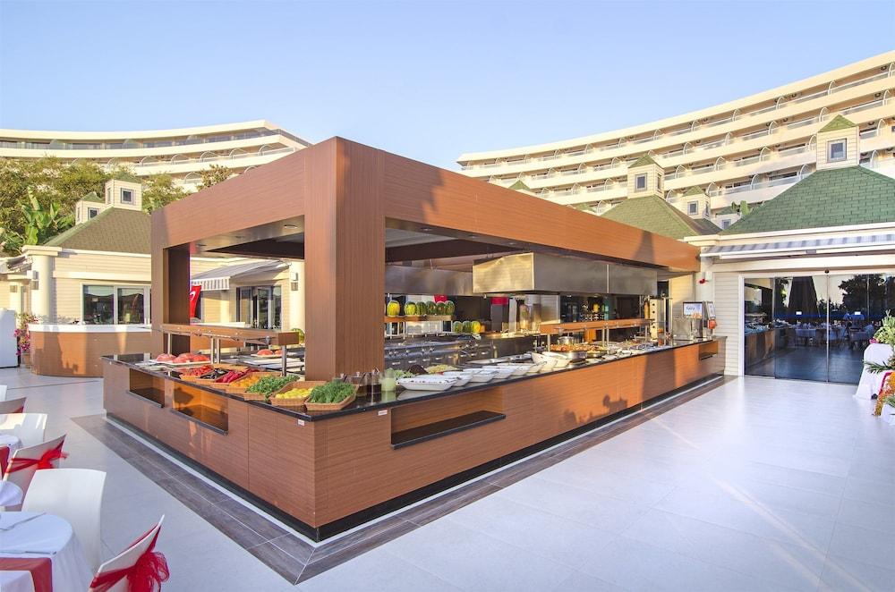 더 그랜드 블루 스카이 인터내셔널  - 올 인클루시브(The Grand Blue Sky International - All Inclusive) Hotel Image 26 - Buffet