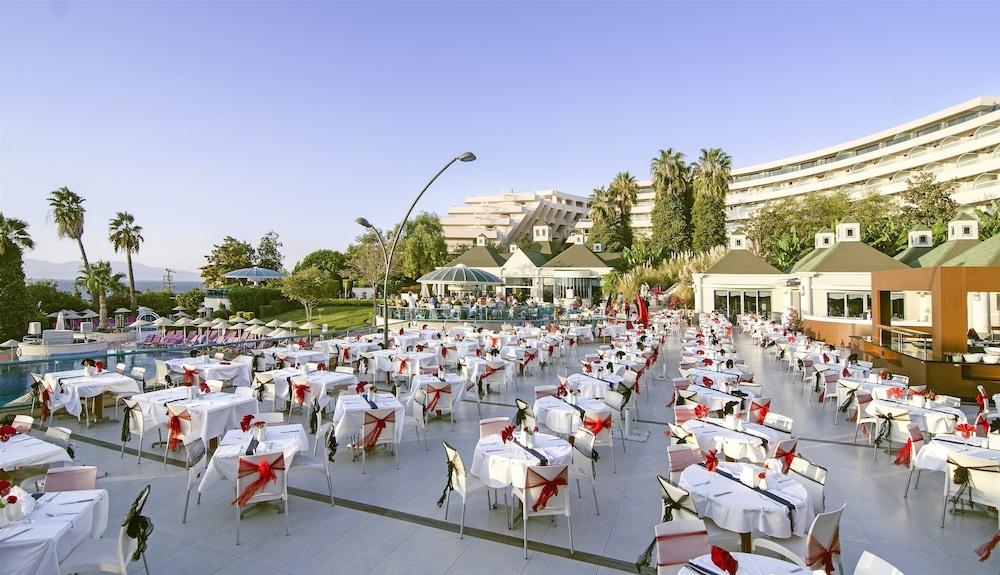 더 그랜드 블루 스카이 인터내셔널  - 올 인클루시브(The Grand Blue Sky International - All Inclusive) Hotel Image 40 - Outdoor Banquet Area