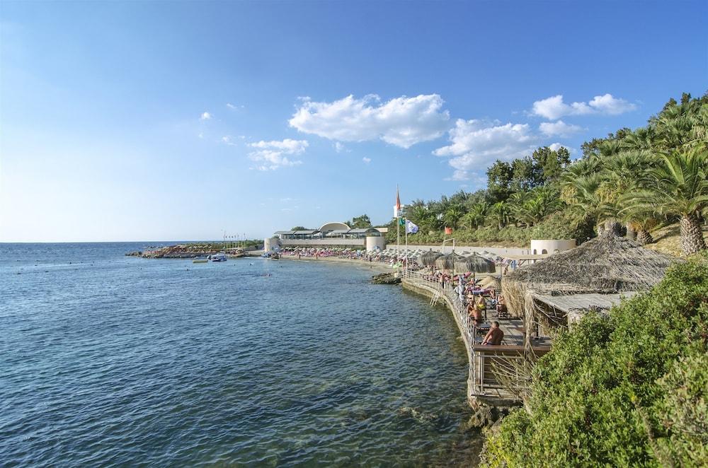 더 그랜드 블루 스카이 인터내셔널  - 올 인클루시브(The Grand Blue Sky International - All Inclusive) Hotel Image 35 - Beach