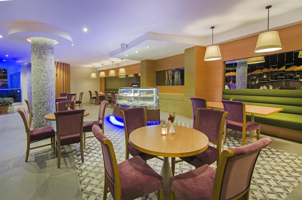 더 그랜드 블루 스카이 인터내셔널  - 올 인클루시브(The Grand Blue Sky International - All Inclusive) Hotel Image 19 - Dining