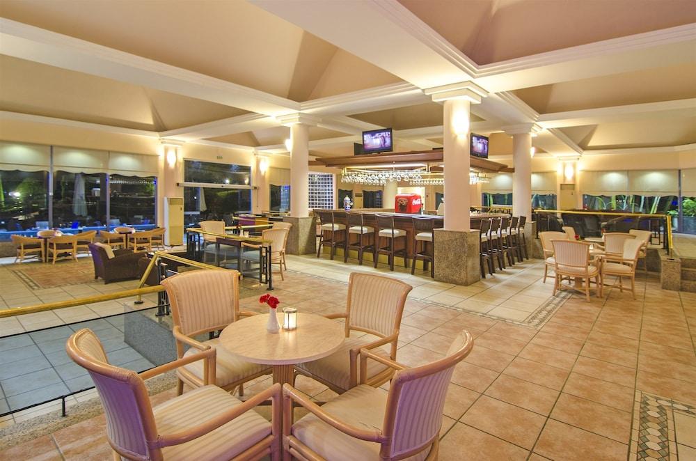 더 그랜드 블루 스카이 인터내셔널  - 올 인클루시브(The Grand Blue Sky International - All Inclusive) Hotel Image 27 - Hotel Bar