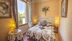 Double Room, Hill View