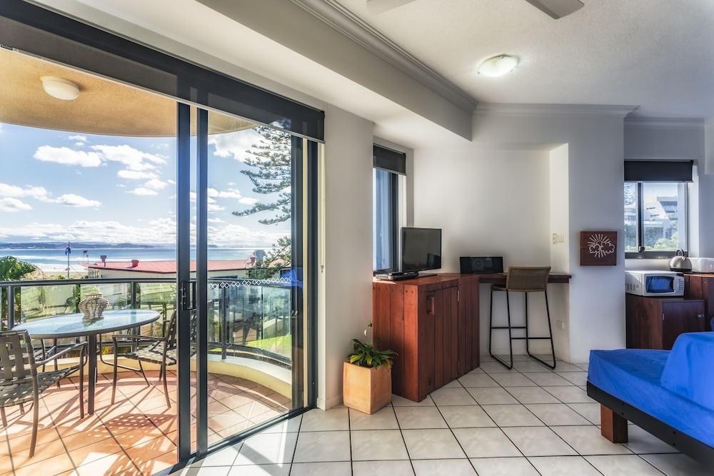 Komune - Gold Coast, Coolangatta
