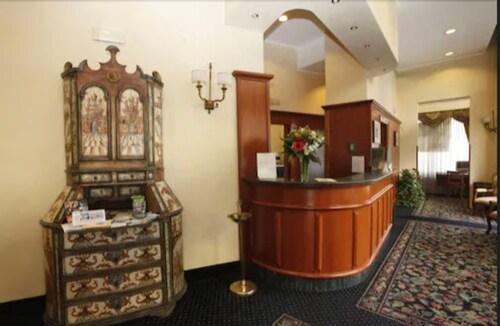 . Hotel Colonna