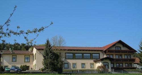 . Hotel Lugerhof