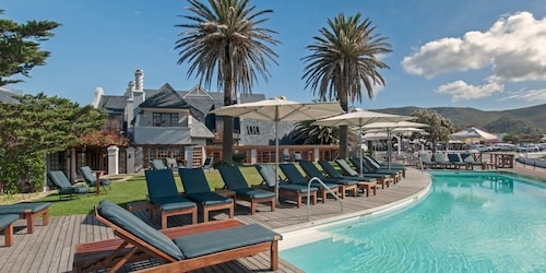 . Harbour House Hotel