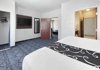 Room, 2 Queen Beds, Accessible, Non Smoking (Mobility/Hearing Accessible)