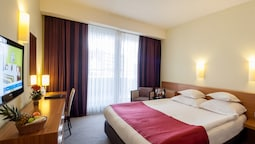 Standard, One Double Bed (incl. Free Sauna World)