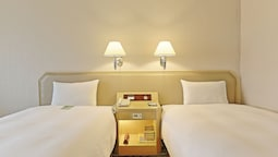 Standard Twin Room (with Extra Bed)