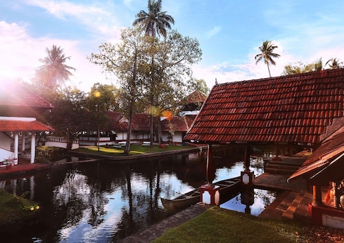 . Coconut Lagoon-Cgh Earth