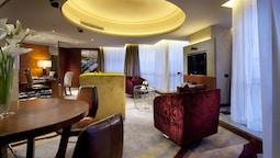 Superior Suite (crowne Plaza)
