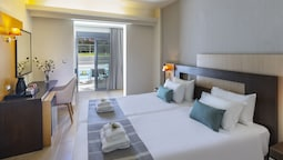 Double Room (sharing Pool)