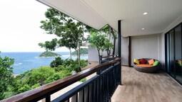 2 Bedroom Sea View Suite