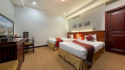 Superior Twin Room, Multiple Beds, Non Smoking, Bathtub