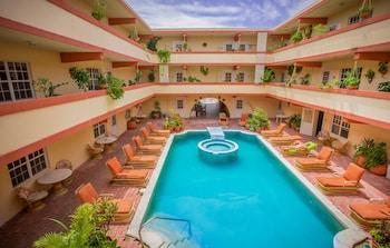 Hotel - Banana Beach Resort