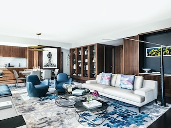 Suite (Empire State Penthouse)