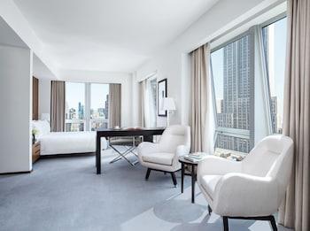 Junior Suite (Empire State View)