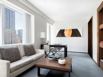 Suite, 1 Bedroom (Empire State View)