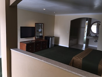 Jetted Spa Suite, 1 King Bed(Non-Smoking)