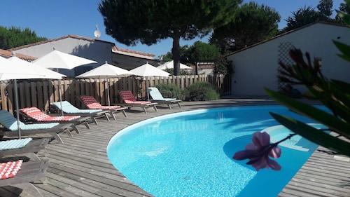 __{offers.Best_flights}__ La Villa Hôtel Bien Être
