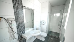 Basic Double Room, Multiple Beds, Private Bathroom
