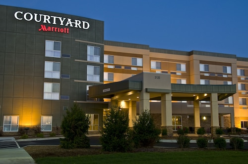 . Courtyard by Marriott Owensboro