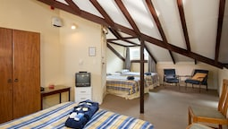 Stable Family Room, Shared Bathroom (includes Entry To Castle & Gardens)