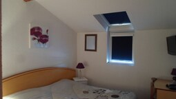 Basic Double Room, Private Bathroom (douche)