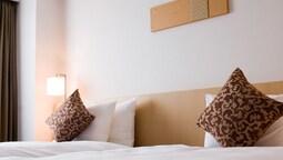 İki Ayrı Yataklı Oda, Sigara İçilebilir (adjacent Beds)