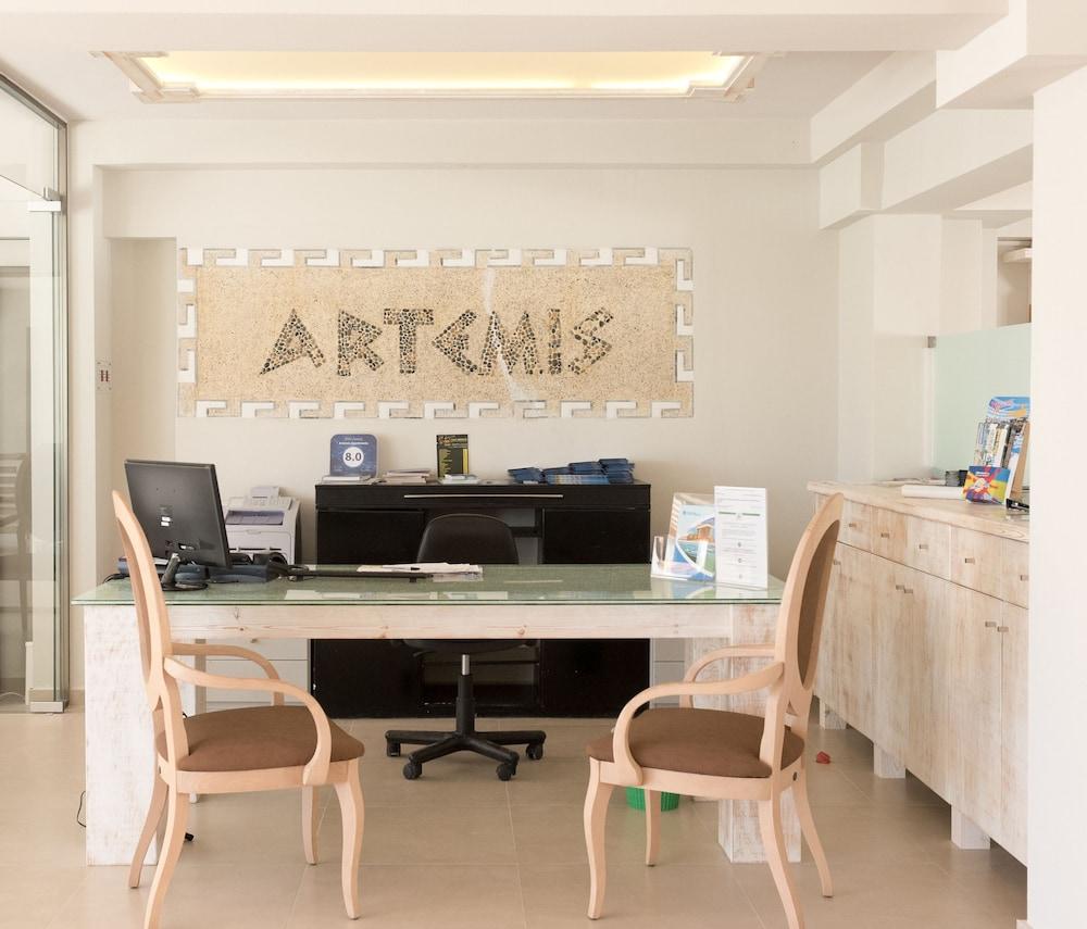아르테미스 호텔 아파트먼츠(Artemis Hotel Apartments) Hotel Image 21 - Reception