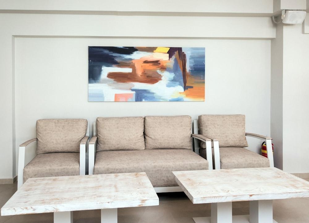 아르테미스 호텔 아파트먼츠(Artemis Hotel Apartments) Hotel Image 38 - Interior Detail