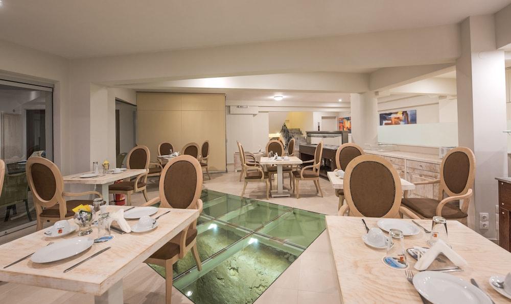 아르테미스 호텔 아파트먼츠(Artemis Hotel Apartments) Hotel Image 34 - Restaurant