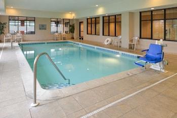 Hampton Inn Milford - Pool  - #0