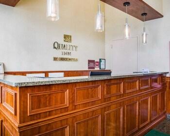 Lobby at Quality Inn Woodside in Woodside