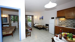 Apartment, 1 Bedroom (mountain Or Pool View)