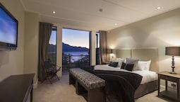 Two-bedroom Promenade Villa